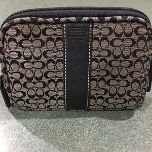 Coach Bags - Signature Black Coach Print Make-Up Case